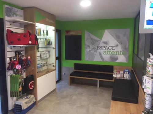 Espace d'accueil - attente - banc - vente